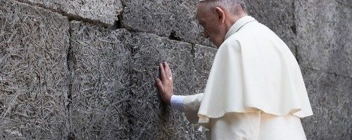 Pope to Simon Wiesenthal Centre: If we lose our memory, we destroy our future