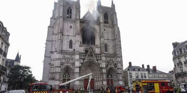 Nantes cathedral fire: Altar server charged with arson