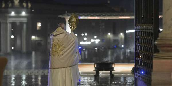 Vatican publishes book of Pope Francis' pandemic homilies